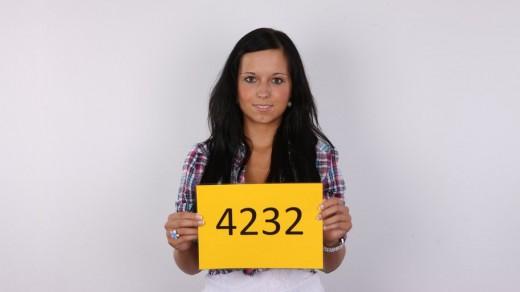 Karolina (4232)   Czech Casting