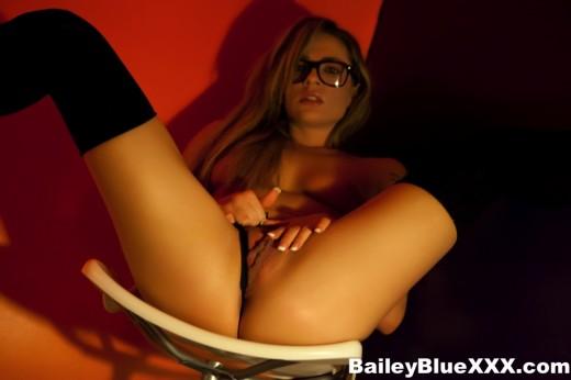 Bailey Blue spreading her legs wide open