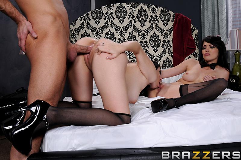 Luna Kitsuen & Tiffany Fox in threesome with Bill Bailey | She's Gonna Squirt