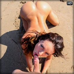 naked Franceska Jaimes sucking dick on beach | Saboom