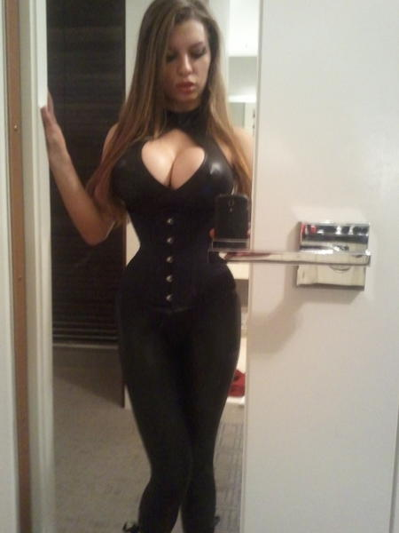 VeronicaSims from MyFreeCams in skin tight outfit