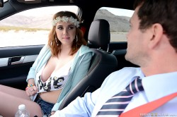 Brooke Wylde shows her cleavage to Preston Parker | Baby Got Boobs