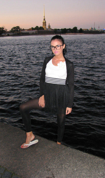 MFC camgirl LuvIsHere with glasses