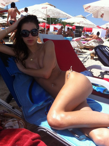 topless Kandy_Kat from MyFreeCams at the beach