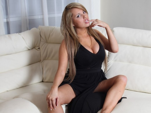 Ivanovabella from Live Jasmin in sexy black dress