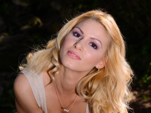 blonde webcam model GameWorld2013