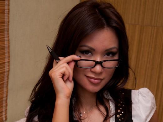 camgirl Buncy wearing glasses