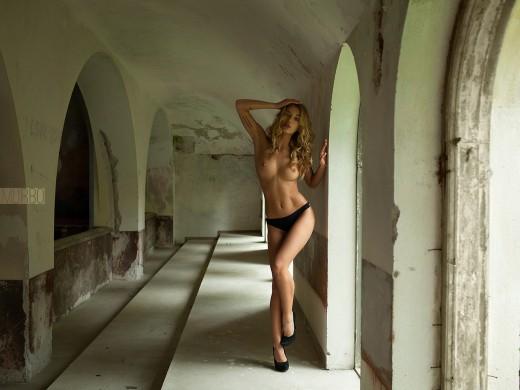 Sveta Candy posing topless for Murbo