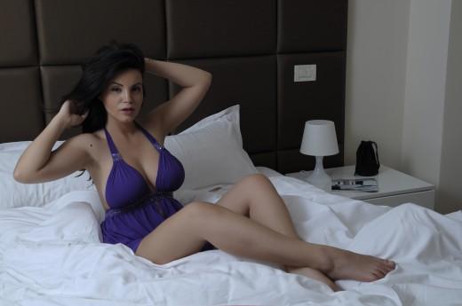 busty camgirl OneGreatDiva in sexy nightie