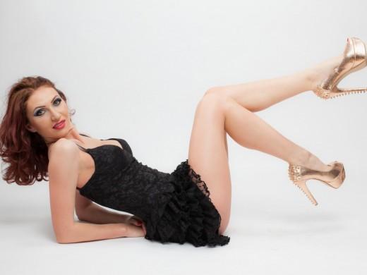 aSEXXYBABYDOLL in heels