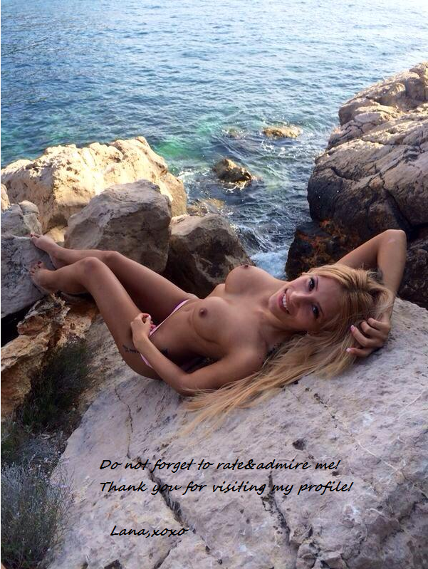 topless MFC SexxyLana at the coast