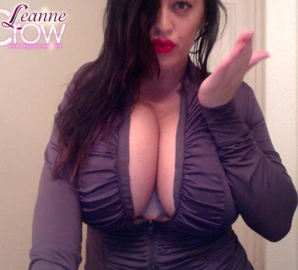 Leanne Crow's cleavage
