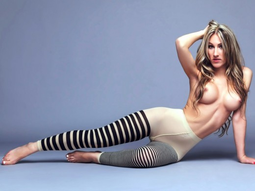 topless LindAholic21 from LiveJasmin wearing pantyhose