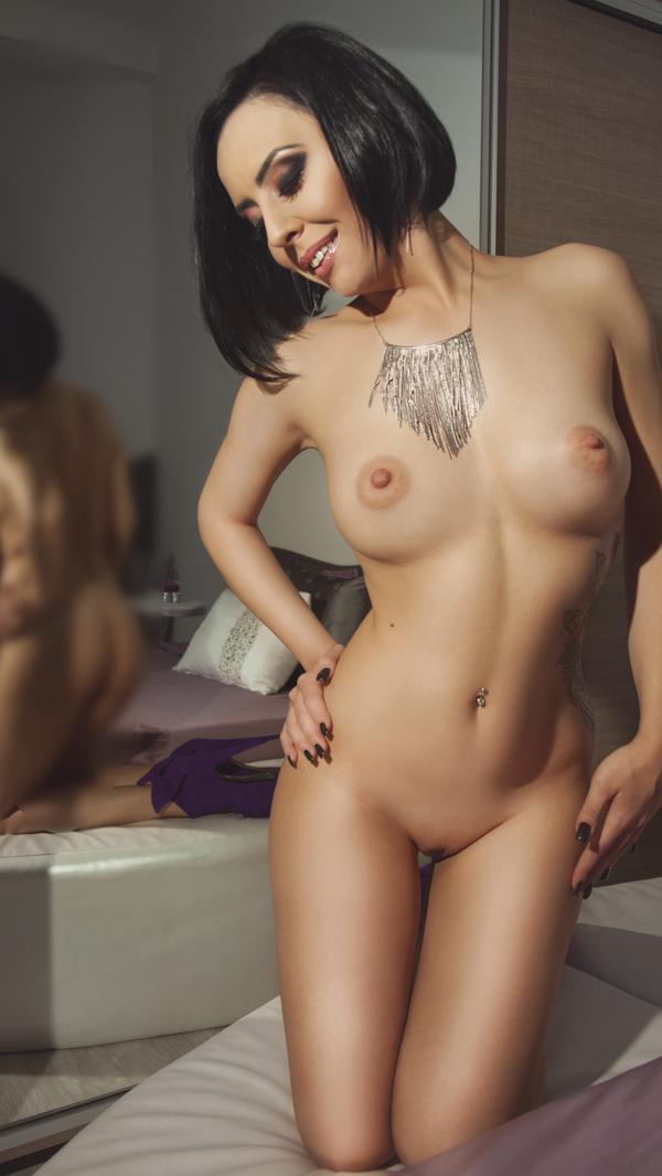 nude Sophisticat from LiveJasmin