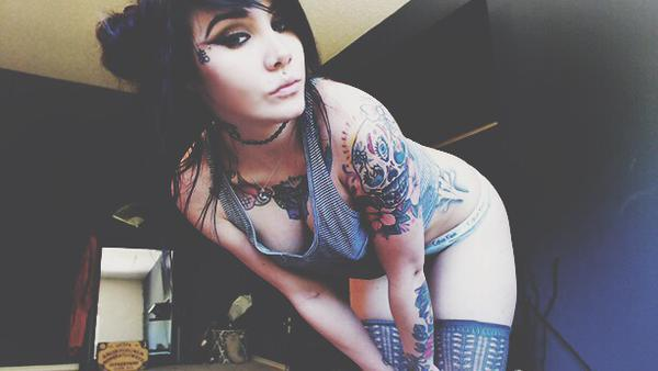 inked camgirl Evee__ from MyFreeCams