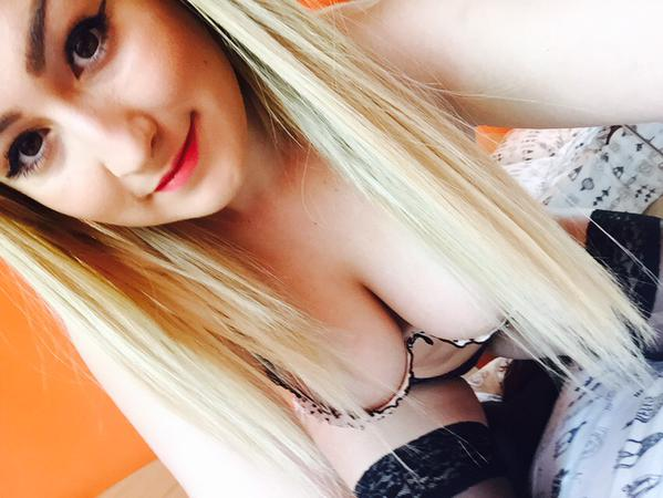 lolyx_loly from Chaturbate