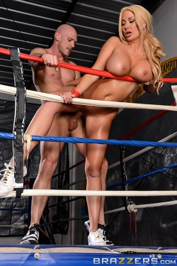 Summer Brielle fucked by Johnny Sins in boxing ring | Brazzers Big Tits In Sports