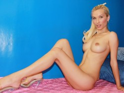 nude JoanneSQUIRT from LiveJasmin