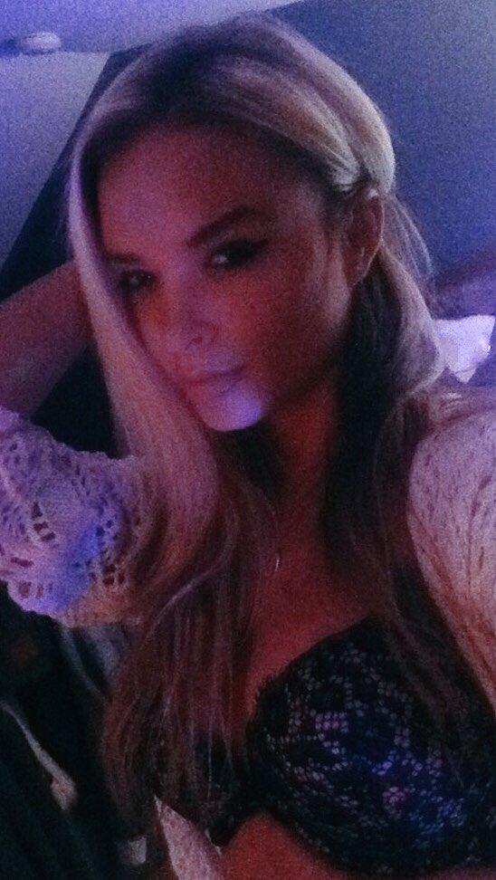 KissKara from My Free Cams