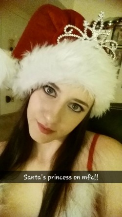 MFC Kittnprincess in Santa hat