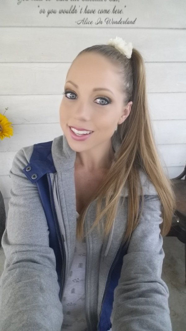 ShawnaLeneeX from MyFreeCams with ponytail