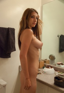 naked KarinaWhite from Streamate