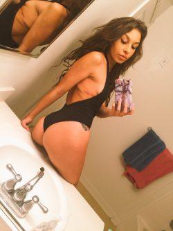 Carmen Caliente in leotard selfie
