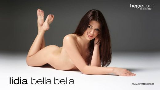Lidia poses nude in Bella Bella | Hegre Art