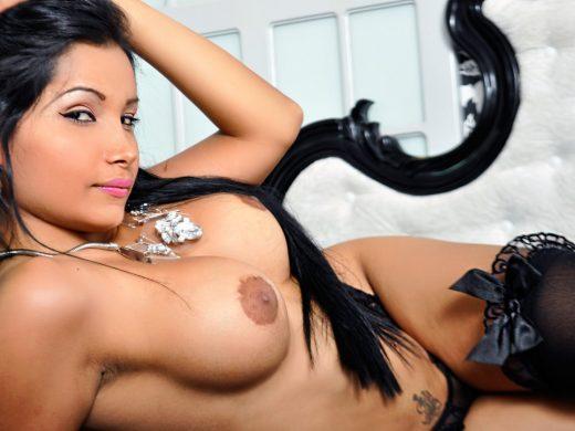 topless camgirlTiffanyDaniels