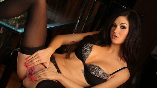 Kendall Karson aka Ashley Youdan spreading her pussy