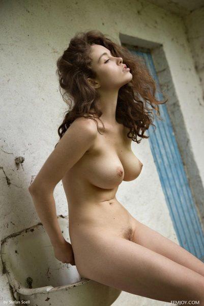 brunette Vika A aka Alissa White naked outdoors | Femjoy