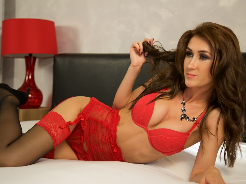camgirl JessikaGreen in red lingerie