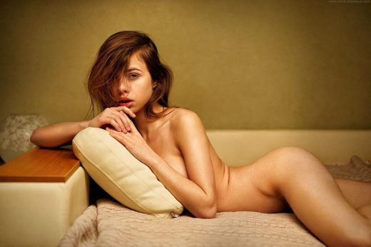 nude brunetteAlexandra Smelova