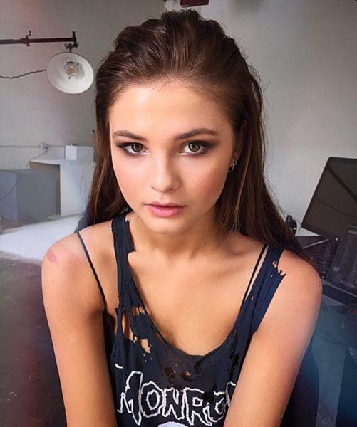 hot celebrity Stefanie Scott