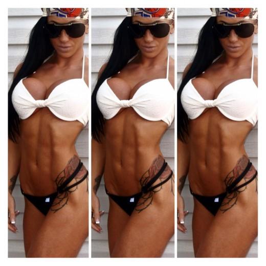 hardbody camgirl BrookeBlack from MyFreeCams in bikini