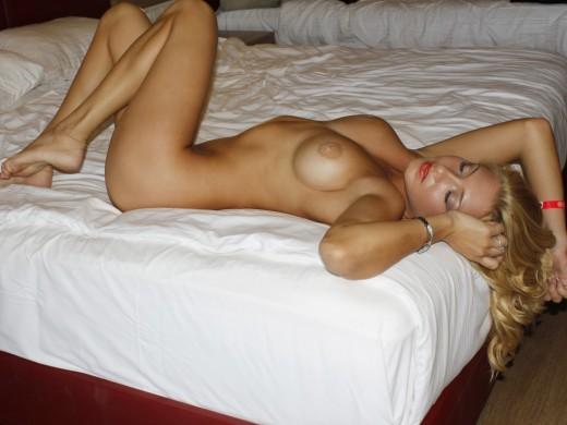 SandraDream totally nude