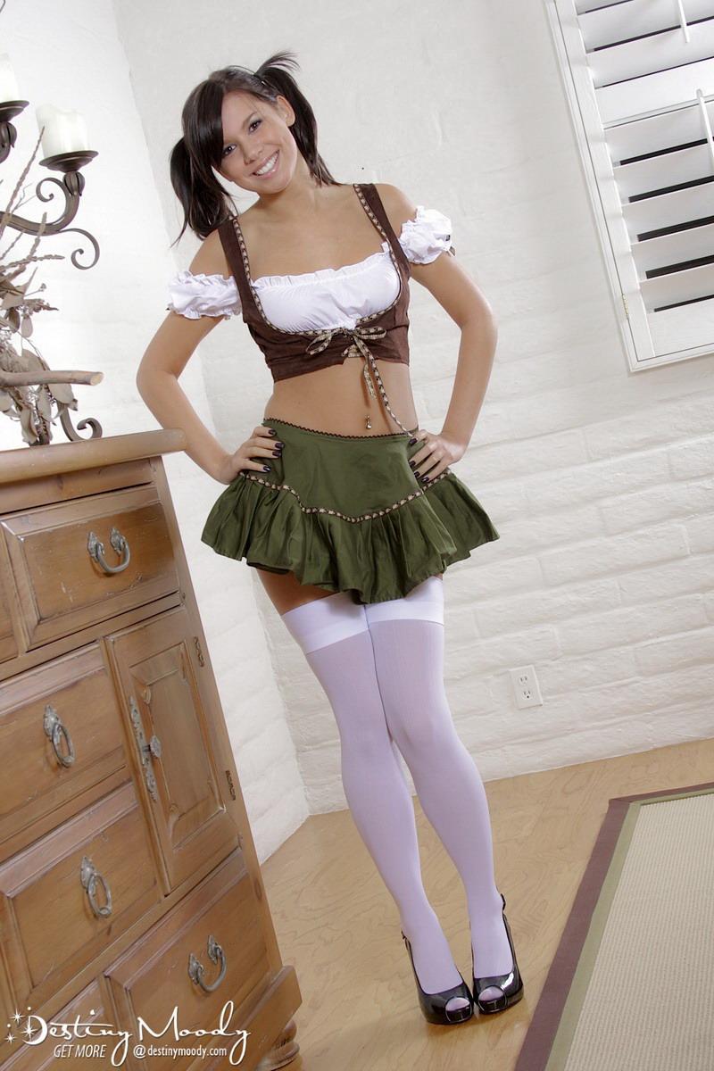 sexy Bavarian girl Destiny Moody ready for Oktoberfest 2014