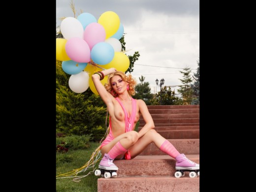 topless DemmiSweet on rollerblades