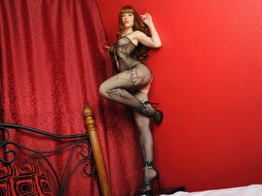 MFC ElizabethFoxy wearing fishnet bodystockings