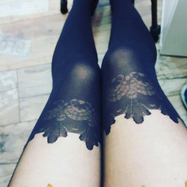 LilKatelyn's legs in pantyhose