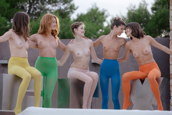 5 beautiful topless girls wearing pantyhoses   WOW Girls