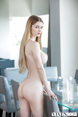 nakedNadya Nabakova | Vixen