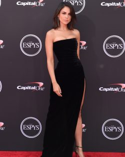 Mexican celebrity Eiza Gonzalez Reyna in black dress on the red carpet