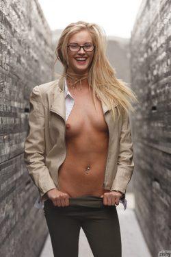 toplessDannell Norfolk wearing glasses | Zishy